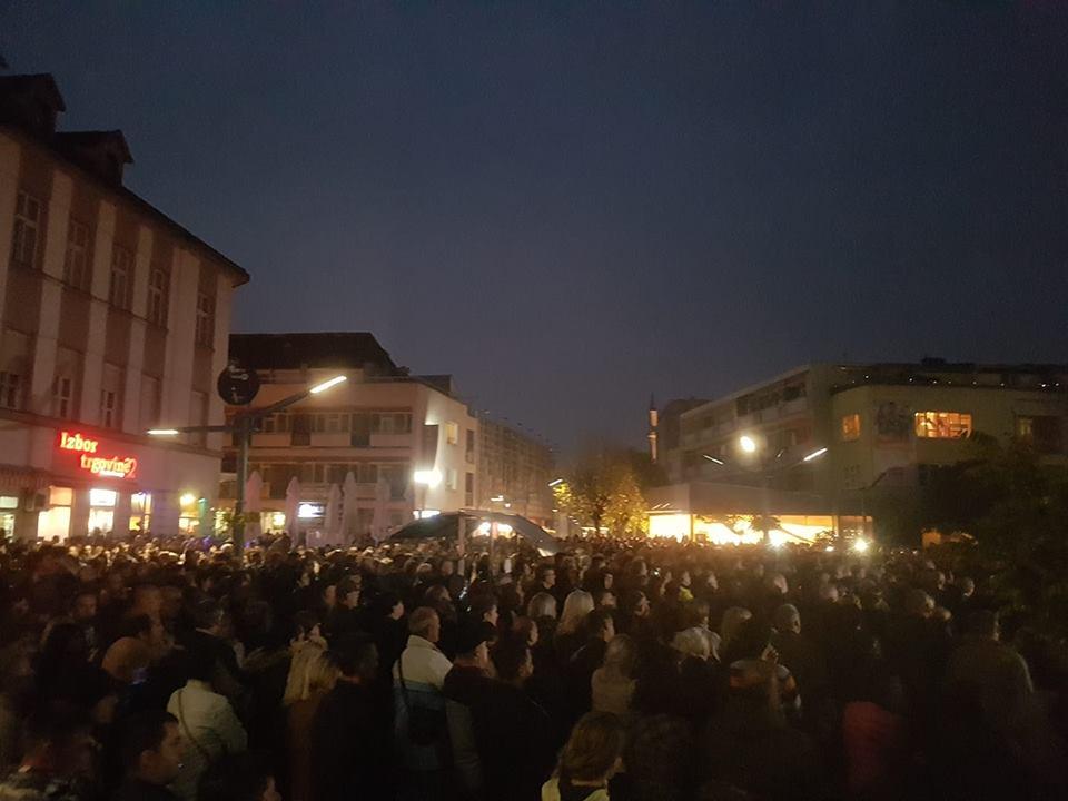 Hiljade Bišćana na protestima: Građani zahtjevaju izmještanje ilegalnih migranata iz grada i sprječavanje priliva novih
